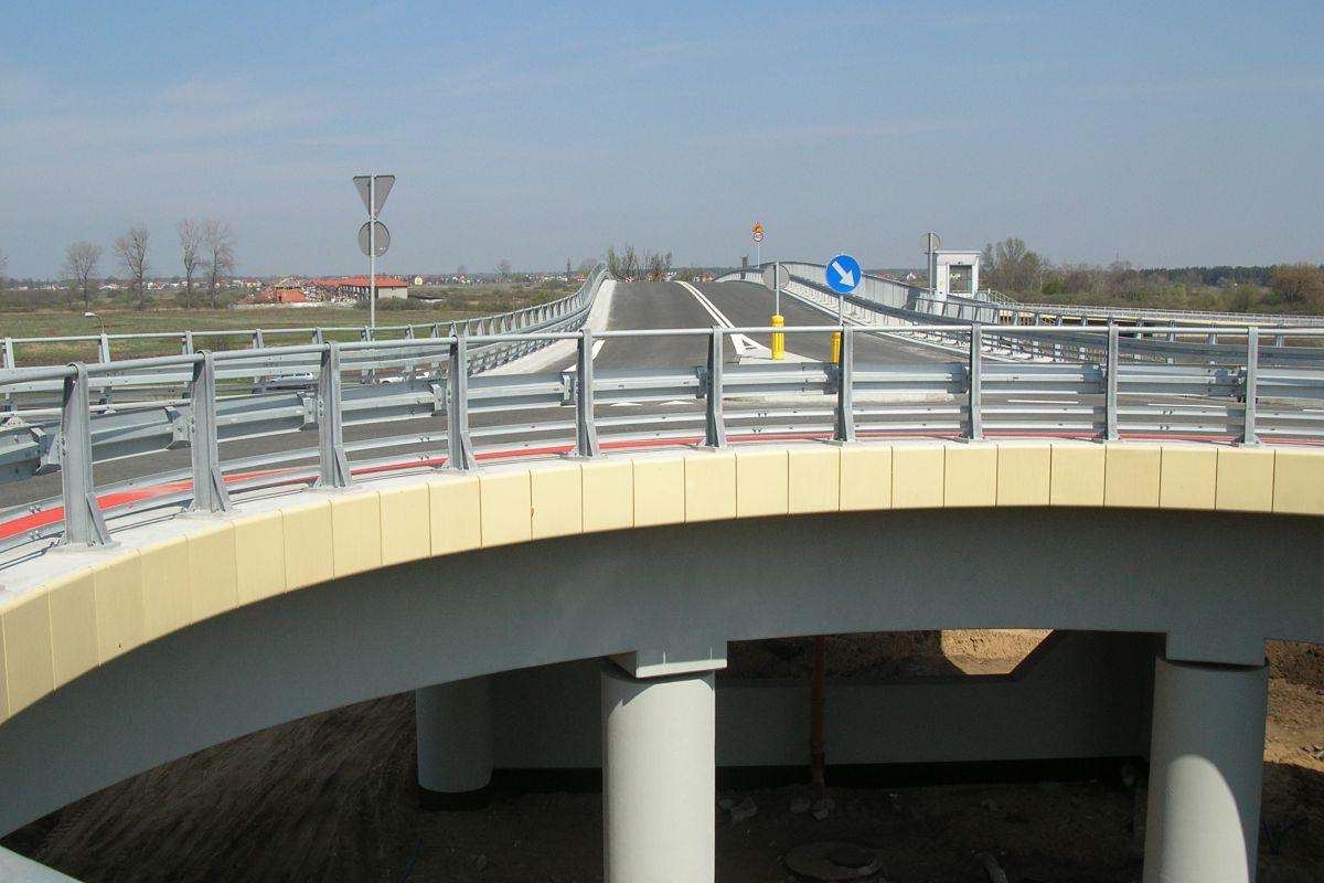 Droga S8 przy centrum handlowym IKEA w Warszawie, opracowanie projektu 2003 r.